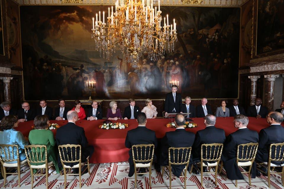 Una foto durante la ceremonia de abdicación al trono de la entonces reina Beatriz. Foto: /Getty Images