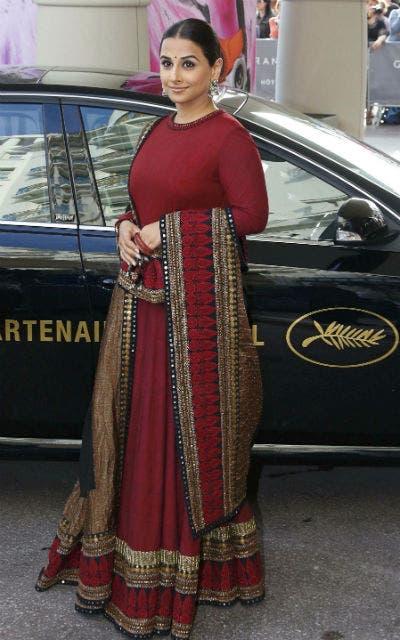 La actriz india Vidya Balan llevaba un sari en rojo y oro. Foto: /Reuters