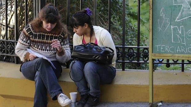 El informe de la OCDE revisa el rendimiento de estudiantes de 15 años en matemáticas, lectura y ciencia.