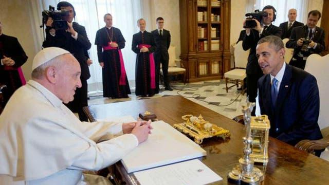Distendidos, se los vio a Francisco y el Barack Obama en el Vaticano. Foto: Archivo