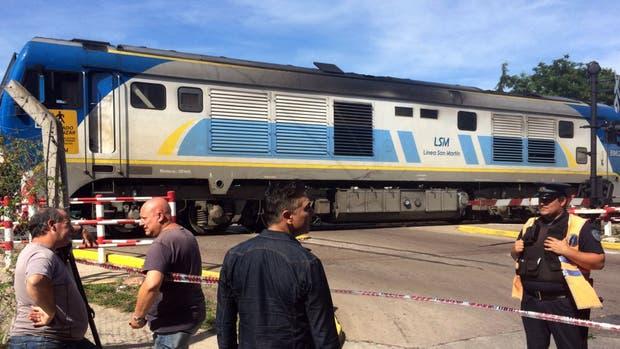 Se prendió fuego una locomotora del tren San Martin, al menos 30 heridos