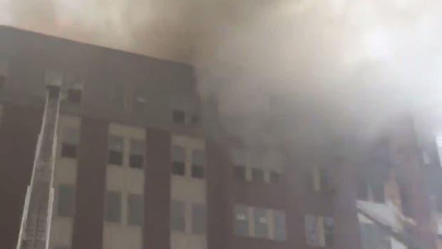 EE.UU.: voraz incendio en un edificio cercano a la Universidad de Maryland