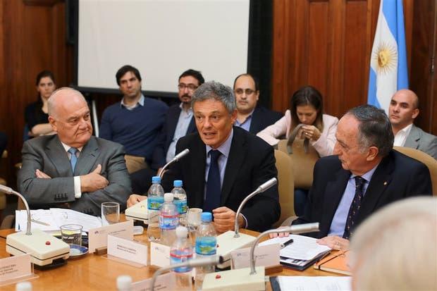 Álvarez Saavedra, Cabrera y Acevedo, ayer, en la reunión