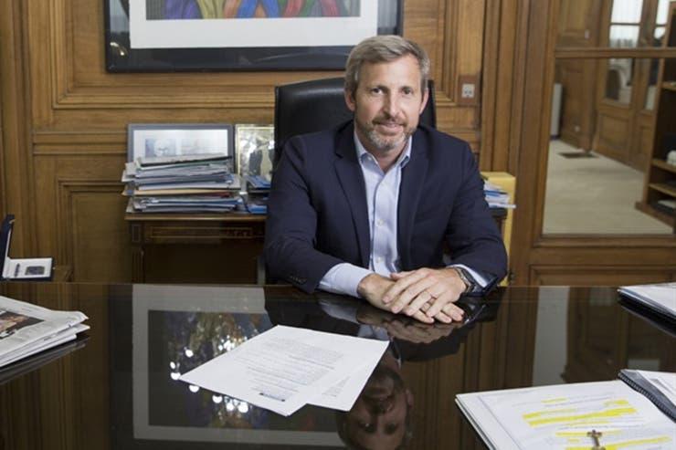 El ministro del Interior, Rogelio Frigerio, presenta otro de los casos con mayor cantidad de parientes en la estructura del Estado