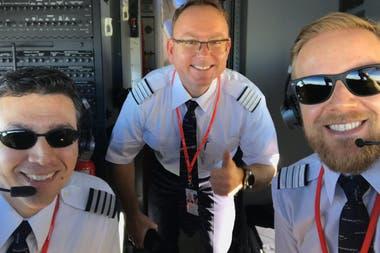 Martín Bessone, Ole Christian Melhus, Edgar Boese, la tripulación del vuelo