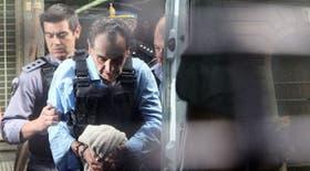 Almirón el día que llegó a Buenos Aires extraditado por España