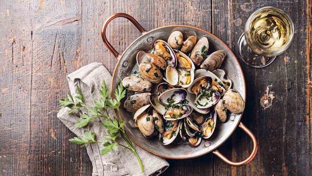 Con pastas, con arroces, fritos... hay tantas maneras de comer mariscos como restaurantes interesantes donde probarlos
