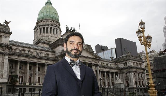Frente al Congreso: José María di Bello es secretario de GEP y tiene VIH. Es uno de los que promueven esta reforma