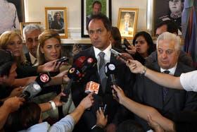 Scioli apuesta al diálogo para resolver el conflicto docente