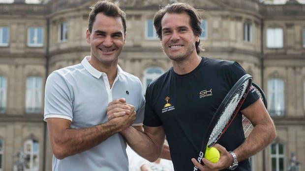 Federer y Haas, en Stuttgart, antes del encuentro