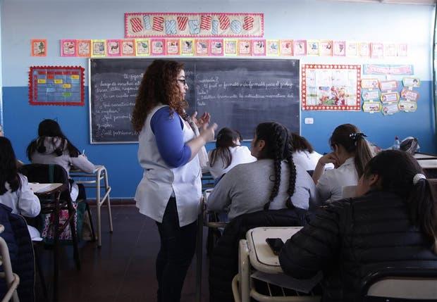 Los futuros docentes rendirán examen antes de empezar a enseñar