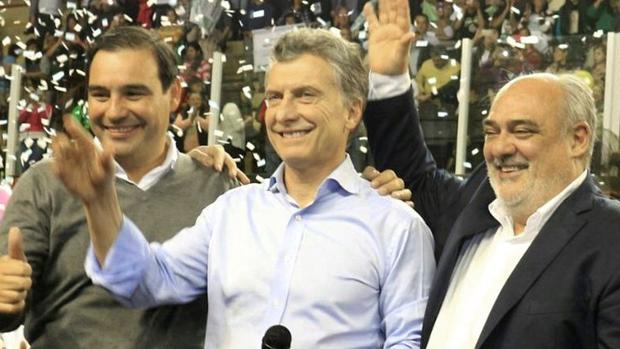 Gustavo Valdés tiene el apoyo de Mauricio Macri y Ricardo Colombi