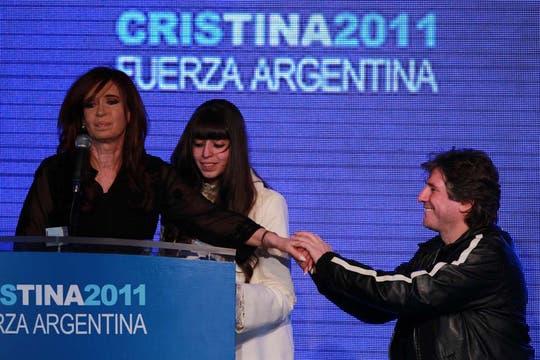 En el búnker oficialista festejaron que la Presidenta logró un primer lugar holgado. Foto: LA NACION / Anibal Greco
