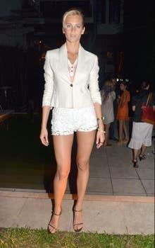 Liz Solari, invitada al cocktail de Sweet. ¿Qué opinan del outfit de la modelo?. Foto: Amado Group
