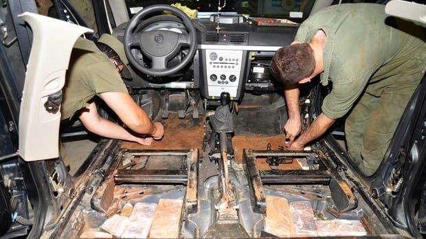 Los gendarmes tuvieron que desarmar íntegros los dos vehículos secuestrados para encontrar la droga