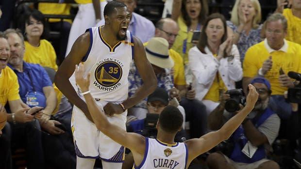Kevin Durant, imparable en los dos primeros juegos de la final ante Cleveland