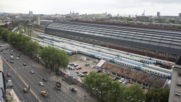 Retiro: sobre la avenida Del Libertador y Ramos Mejía está uno de los predios con mayor valor de venta. Allí funciona un estacionamiento de una dependencia pública