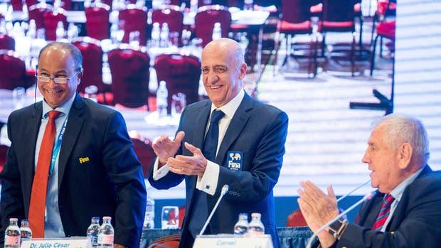 Julio Maglione fue reelecto como presidente de FINA