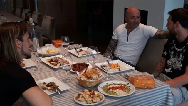 Messi junto a Sampaoli y Beccacece