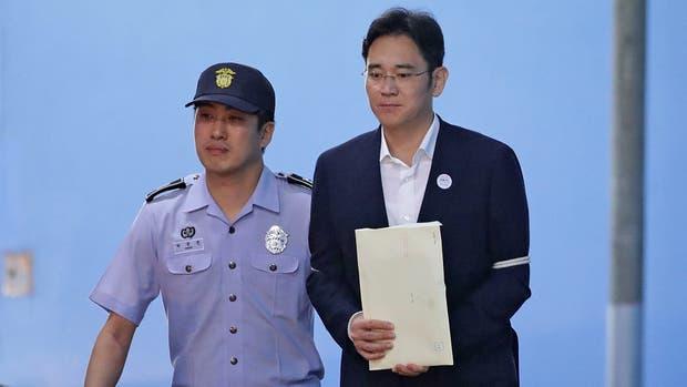 Lee Jae-yong, heredero del grupo Samsung fue condenado a 5 años de prisión