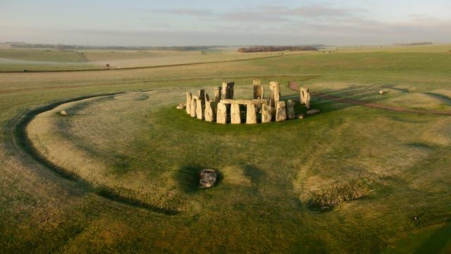 Las ruinas de Stonehenge muestran el resultado de diferentes etapas de construcción y restauración
