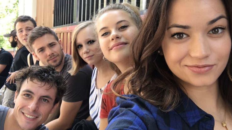 El elenco en una pausa de rodaje