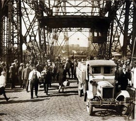 El puente en 1923, cuando funcionaba a pleno