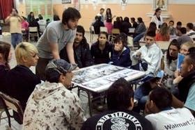La Cámpora, presente en los colegios