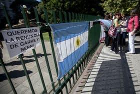 Carteles contra los funcionarios de Seguridad en la manifestación