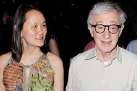 Woody Allen está casado hace años con Soon-Yi, otra hija adoptiva de Mia Farrow