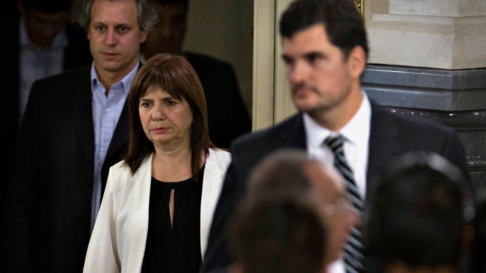 Burzaco admitió que el Gobierno analiza reemplazar a los gendarmes en la custodia de represas Aníbal Greco