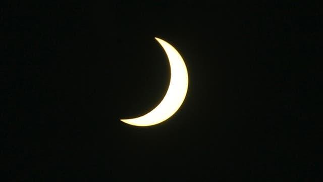 La retransmisión del fenómeno astronómico, que en cada lugar dura unos dos minutos, sirvió para concienciar sobre la necesidad de tener el cielo limpio de contaminación lumínica.. Foto: AP