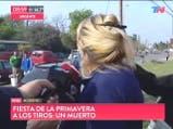 Mujer busca a su hijo desaparecido durante el tiroteo de la fiesta de la primavera