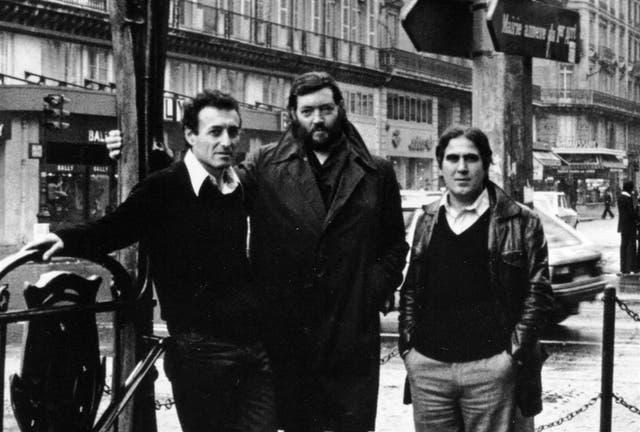 En blanco y negro un recuerdo con su amigo Julio Cortázar en París
