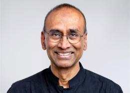 Los inventos modernos a menudo se basan en descubrimientos que tienen unos cientos de años de antigüedad, dice Venki Ramakrishnan.