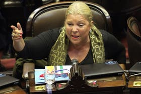 Carrió pidió asistencia a la OEA para preservar la institucionalidad democrática de la Argentina