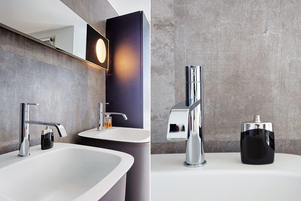 Los lavatorios individuales y el espejo con luz incorporada (Antonio Lupi) se trajeron de Italia. Lo mismo ocurrió con la grifería cromada monocomando Gessi (modelos similares de la misma marca, en Barugel Azulay).  /Daniel Karp