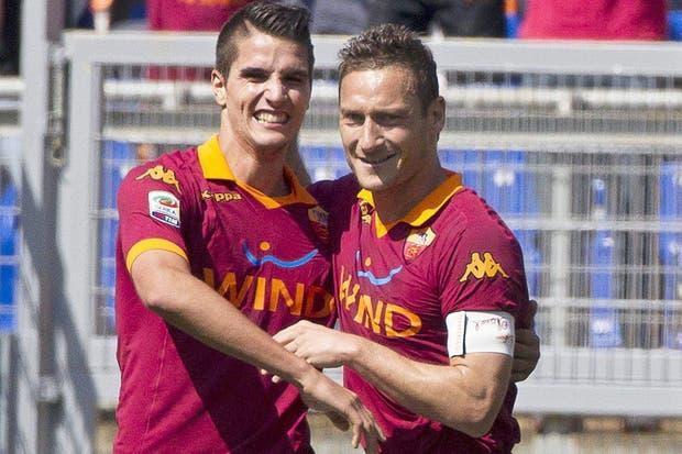 Lamela marcó y lo festejó con Totti
