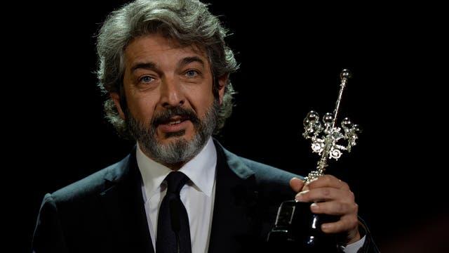 Ricardo Darín con su premio. Foto: Reuters