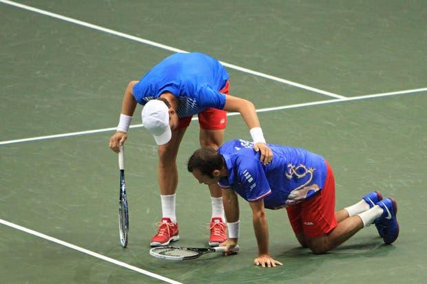 Carlos Berlocq y Horacio Zeballos poco pudieron hacer ante los checos Tomas Berdych y Radek Stepanek.  Foto:AFP