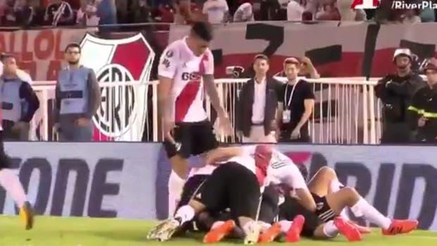 El festejo en el gol de Scocco