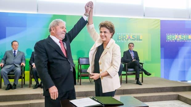 El padrino y la ahijada: el saludo de Lula y Dilma tras el nombramiento
