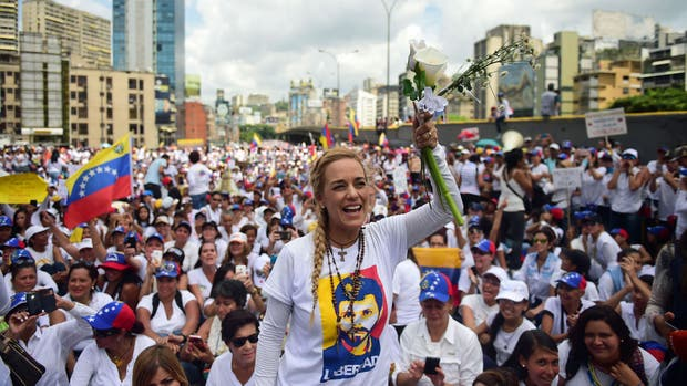 La mujer de Leopoldo López, Lilian Tintori, una de las referentes en la marcha de las mujeres