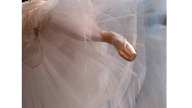 Pie de una bailarina del Ballet Mikhailovsky de San Petesburgo, en el David H. Koch Theatre en Nueva York