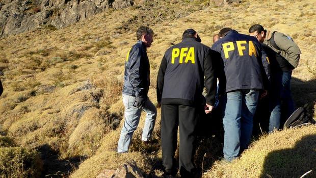 La inspección policial en El Chaltén hace unos días atrás