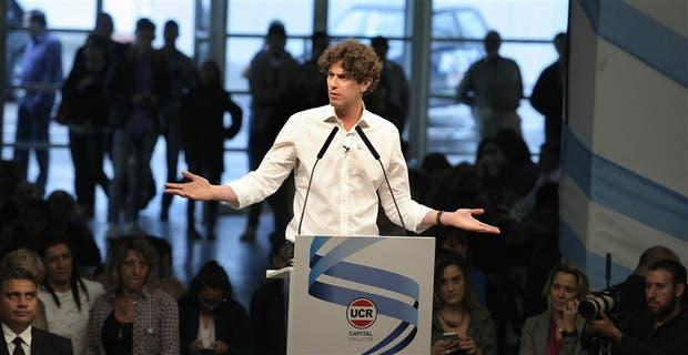 Lousteau encabezó ayer un acto en Costa Salguero, con el aval de la UCR porteña