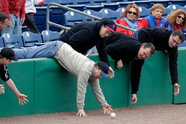 Gente grande, por favor. ¡Los hombres no maduran más! (?).  /Fotos de Reuters, AFP, AP y EFE