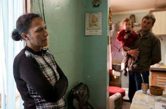 """""""A veces pienso que esto es sólo una pesadilla. Que me voy a despertar y Omar va a volver a casa"""". Foto: LA NACION / Guadalupe Aizaga"""