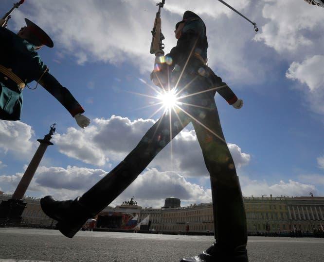Putin desplegó todo el poderío de sus fuerzas armadas y celebró, como todos los 9 de mayo, el Día de la Victoria en la Plaza de Roja. Foto: AP / Dmitri Lovetsky