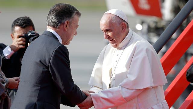 La llegada del Papa Francisco a Colombia donde pasará 5 días. Foto: AP / Ricardo Mazalan